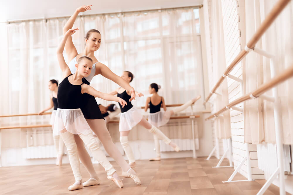 Middle school, high school, and college students, Kintz Mejia Ballet Academy in WASHINGTON, DC is looking for volunteers.