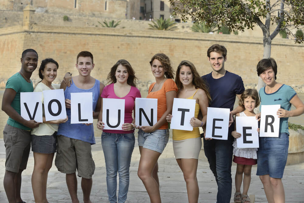Middle school, high school, and college students, VOLUNTEERS OF AMERICA INC in NEW YORK, NY is looking for volunteers.